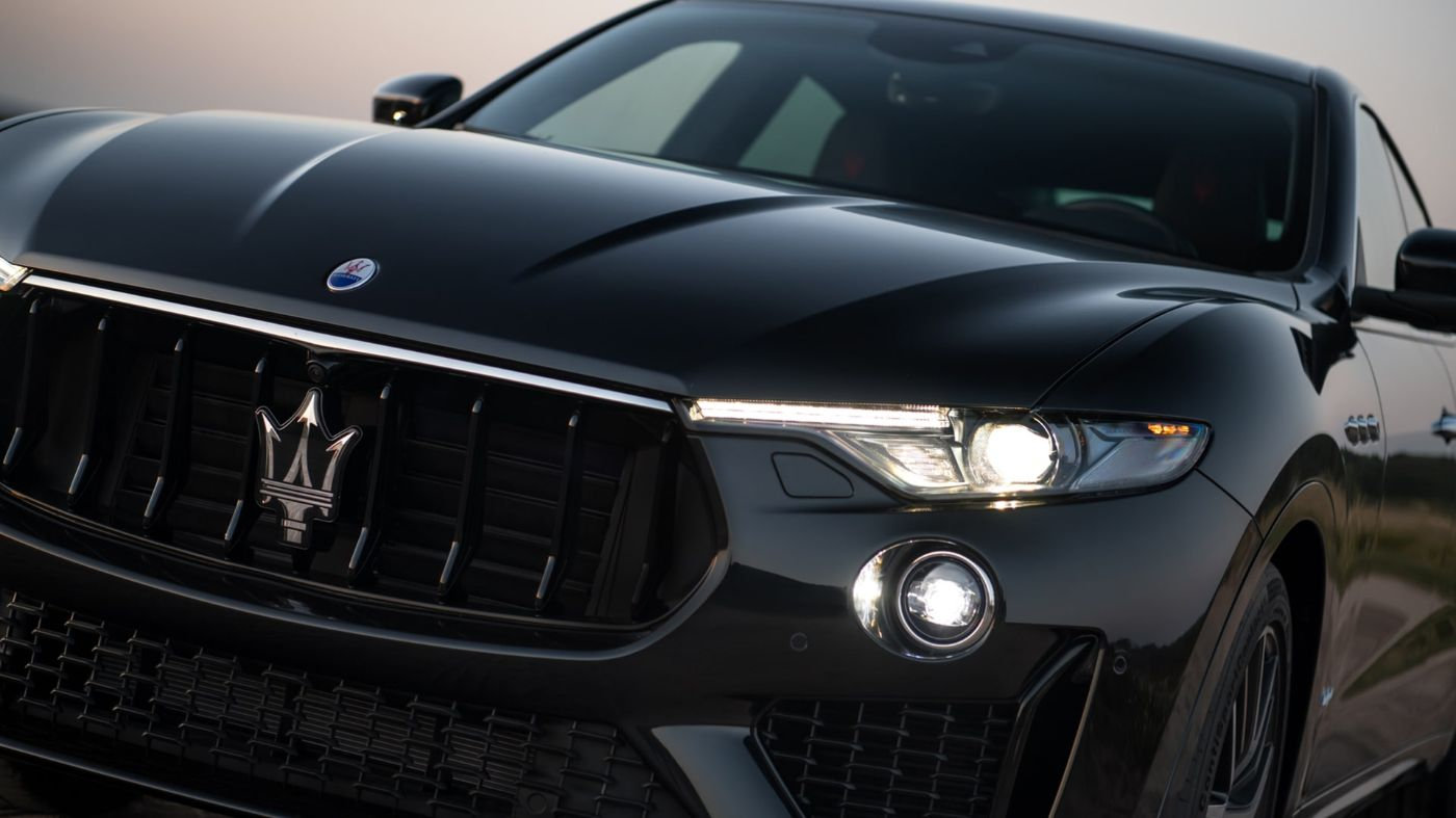 Maserati Levante SUV, front view: focus on radiator grill